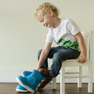Butler blue over the shoe rain boots